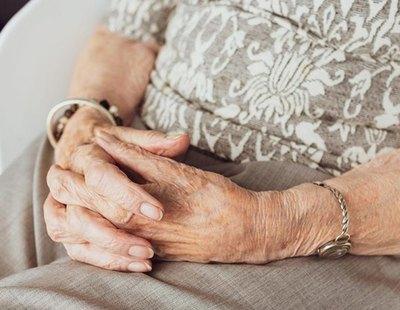 Notifican la muerte por coronavirus de una anciana, celebran el entierro y aparece viva 10 días después