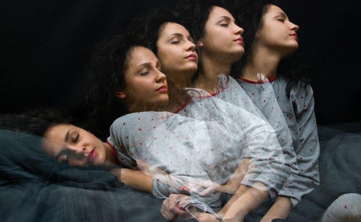 El sonambulismo es el tipo más común de parasomnia