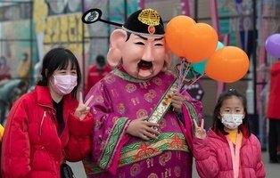 Amar a la patria y prohibido hacer playback: Los 25 mandamientos que China impone a sus artistas