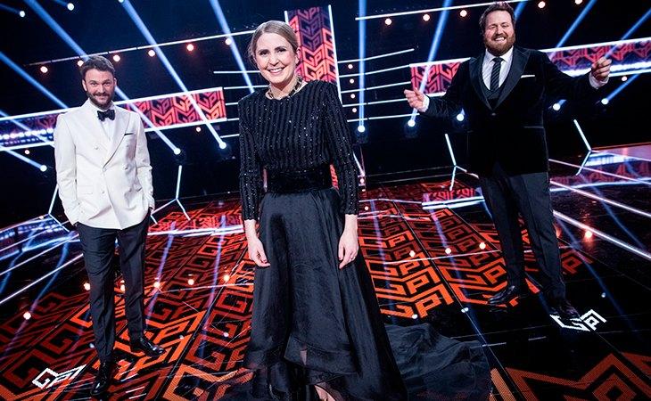 Kåre Magnus Bergh, Ingrid Gjessing Linhave y Silje Nordnes presentarán la gran final del Melodi Grand Prix 2021 en Oslo. Fuente: Julia Marie Naglestad - NRK