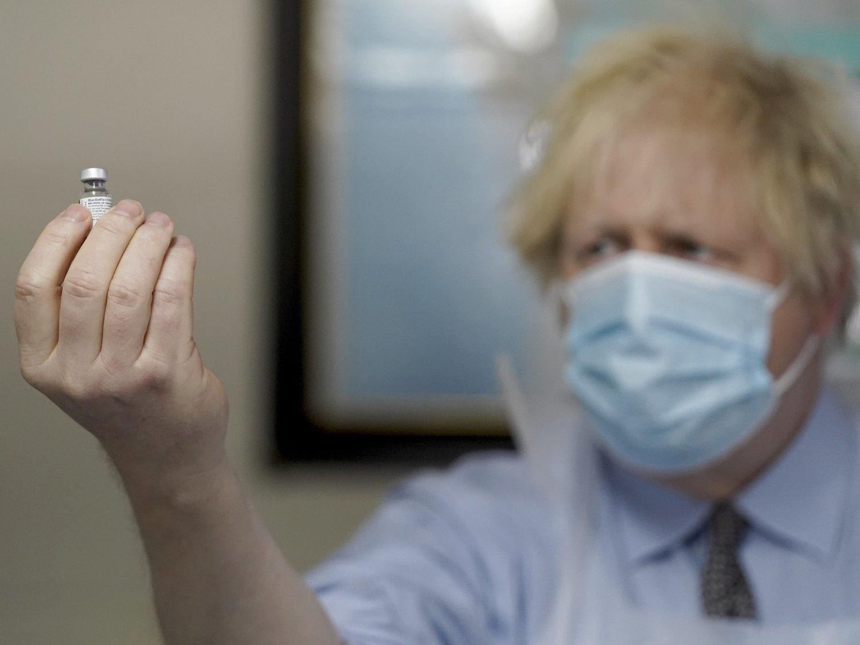 Reino Unido probará fármacos contra la Covid infectando a voluntarios que estén sanos
