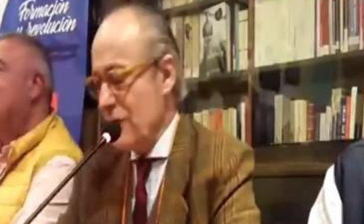 El periodista Eduardo García Serrano durante el acto 'Los viernes culturales de Falange'