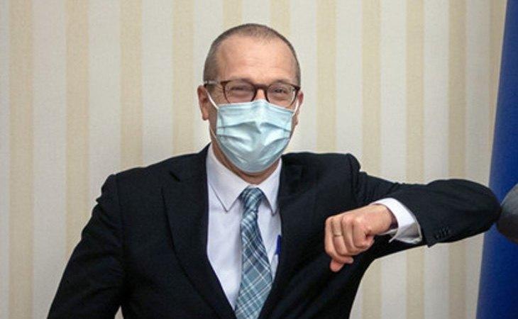 Hans Kluge confía en que la pandemia acabará en el inicio de 2022
