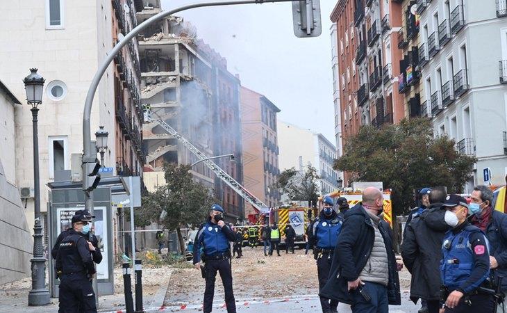 Minutos después de la explosión en un edificio de la calle Toledo de Madrid