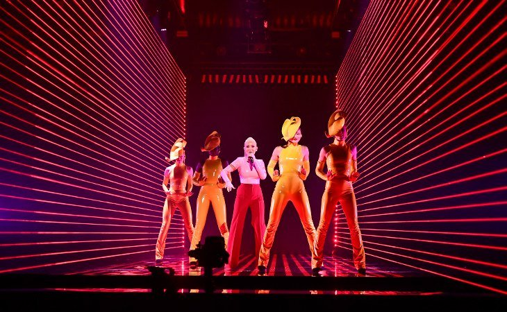 Tess Merkel se estrena como solista con reminiscencias a Kylie Minogue y Madonna, tras haber formado parte del grupo Alcazar desde 1998