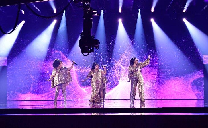 El trío ganador del año pasado vuelve con una canción que refleja su evolución musical tras 'Move'