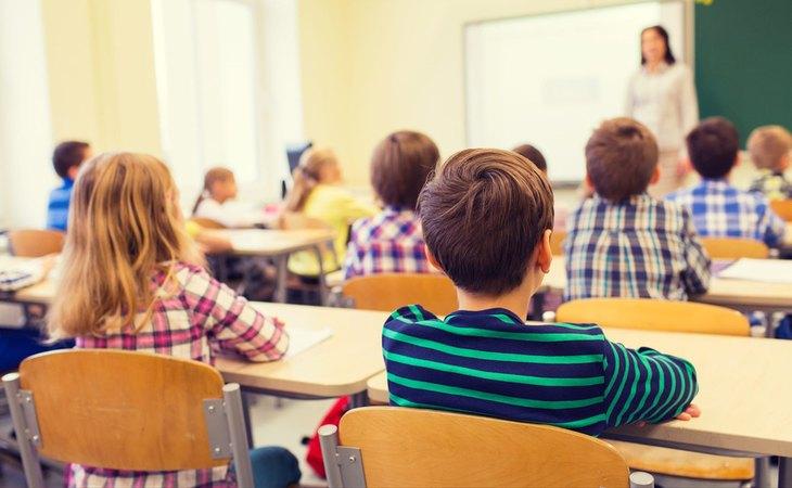 El veto parental pretende impedir que los menores reciban valores sobre diversidad o igualdad en las aulas