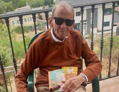 El autor de 'Fray Perico y su borrico', de 91 años, emociona con su mensaje tras recibir la vacuna