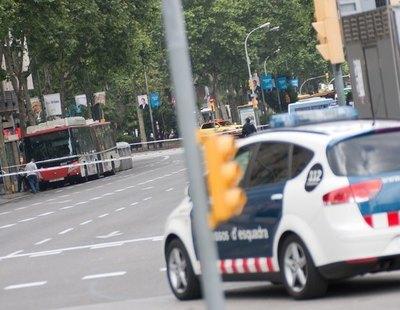 """Graban a un policía de Barcelona amenazando a un detenido: """"Te reviento. Lo pagarás. Soy Policía"""""""