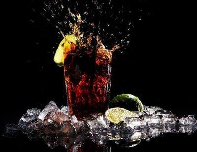 Un estudio vincula el consumo excesivo de zumos y refrescos con el riesgo de tener cáncer