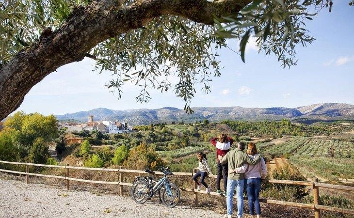 El pueblo ofrece múltiples zonas naturales
