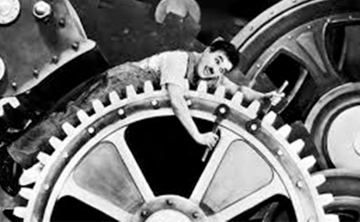 Charles Chaplin critica a la sociedad a través del humor