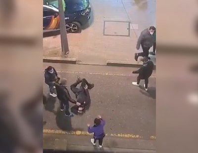 Detenidos por agredir a un policía fuera de servicio al increparles por no usar mascarilla