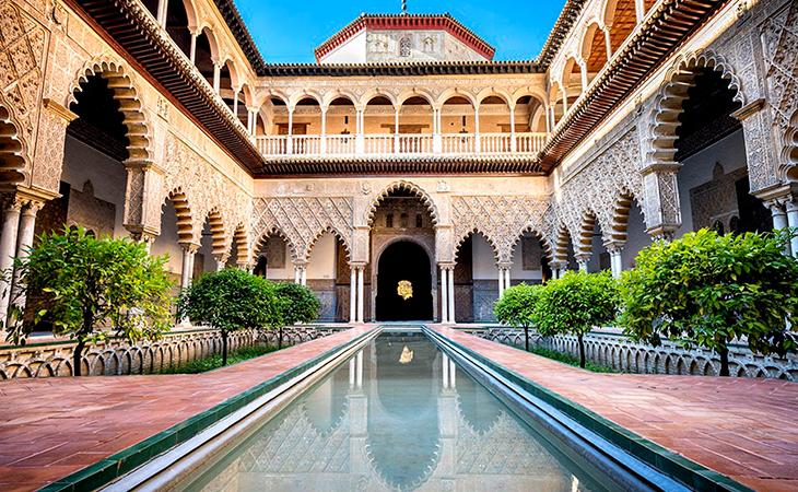 El Alcázar refleja varios movimientos artísticos
