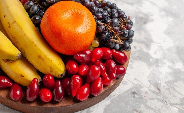 El consumo de plátanos reporta muchos beneficios, pero hay que combinar con otras frutas