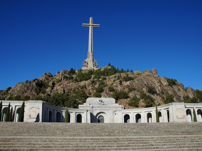 El Gobierno inicia los trámites para exhumar a las víctimas del franquismo del Valle de los Caídos