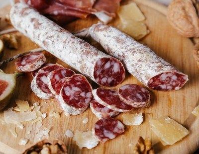 Alerta alimentaria: retiran estos embutidos del supermercado fabricados en España por listeria