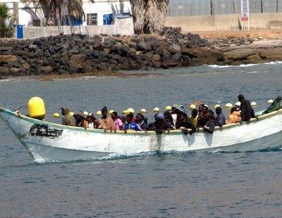 Localizan un cayuco con 17 muertos y tres supervivientes al sur de la isla de El Hierro