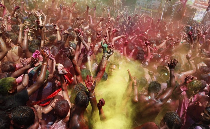 Festival Holi celebrado en la India el 30 de marzo de 2021