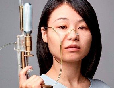 Una estudiante crea un arma que recoge tus lágrimas, las congela y las dispara