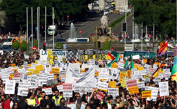 Miles de jóvenes protestaron por su futuro