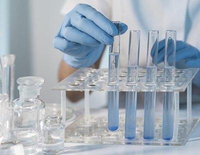 Dieciocho investigadores mundiales contemplan que la Covid saliese por error de un laboratorio