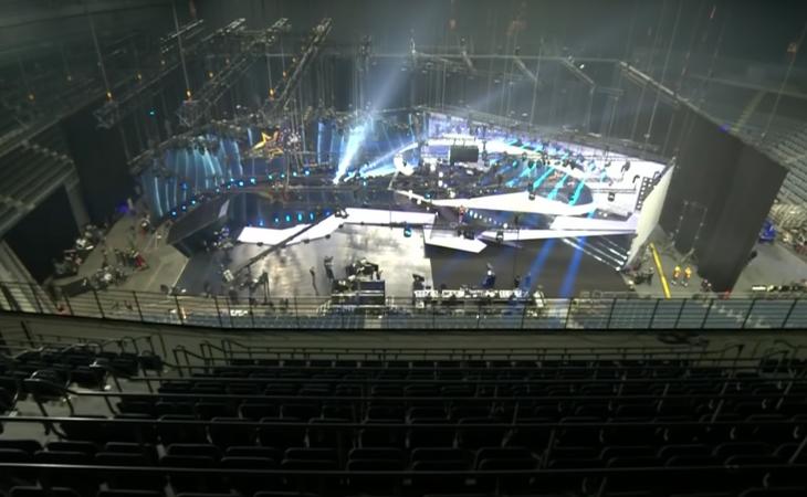 El set y decorado del segundo 'Free ESC' fue instalado dentro del Lanxess Arena, en Colonia (Alemania)