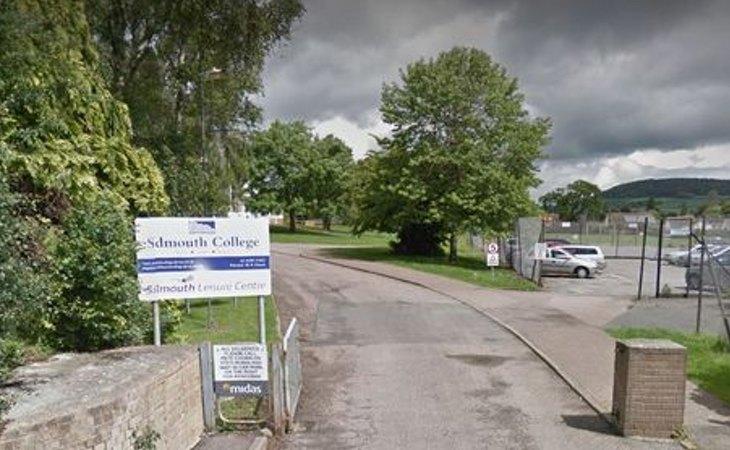 Sidmouth Community College al que acudía el menor