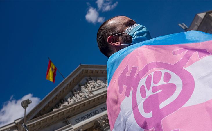 El Gobierno todavía no ha aprobado la nueva ley trans