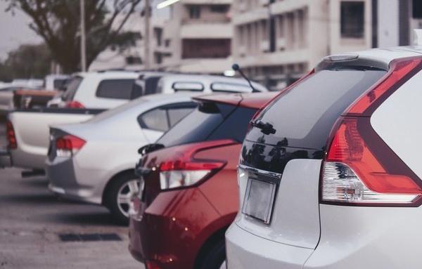 El nuevo invento que encuentra aparcamiento gratis y libre para evitar los parquímetros