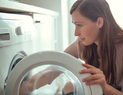 Poner la lavadora por la noche para 'ahorrar' puede salir muy caro: multas de hasta 6.000 euros