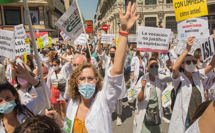 Manifestación de los MIR en contra del nuevo sistema de elección de plaza que plantea el Ministerio de Sanidad