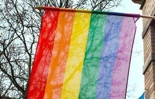 Agresión homófoba a un joven por parte de 13 hombres en Basauri: acabó en el hospital