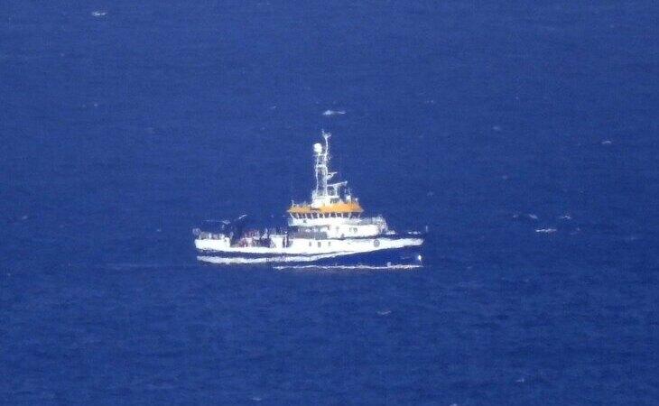 El buque oceanográfico Ángeles Alvariño, durante las labores de búsqueda