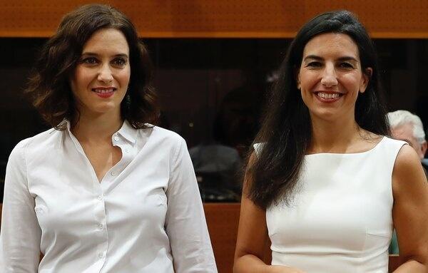 Ayuso se abre a reformar las leyes LGTBI y de género de Madrid a propuesta de VOX