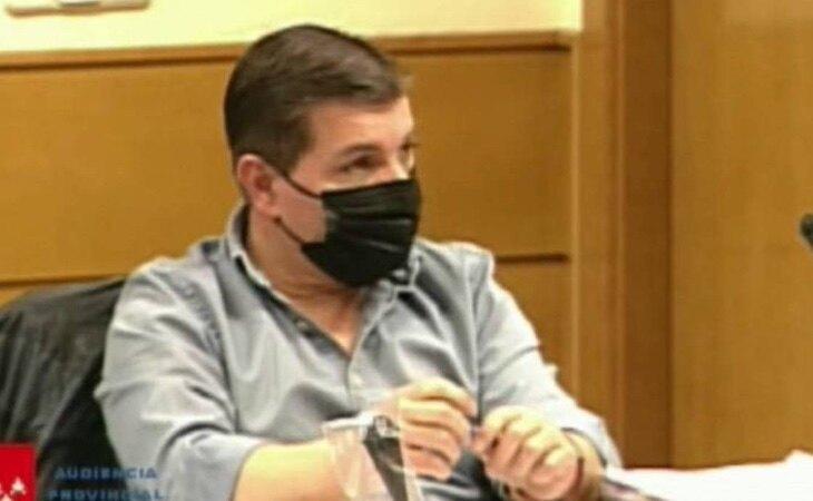 César Román, durante el juicio