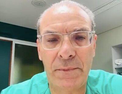"""El desgarrador mensaje de un médico a los que no quieren vacunarse: """"Se lo prometí al paciente que he intubado"""""""