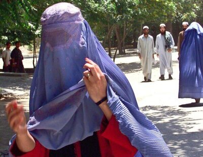 Se dispara el precio del burka en Afganistán tras la llegada de los talibanes