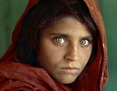 Qué fue de Sharbat Gula, la niña afgana de la icónica portada de National Geographic