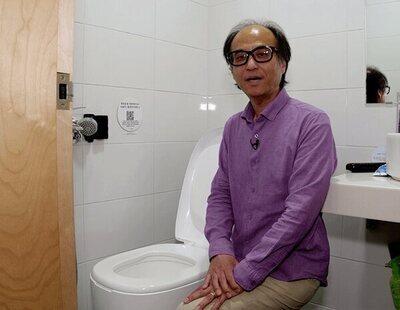Un inventor surcoreano lanza un inodoro que convierte los excrementos en dinero