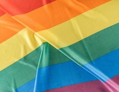 """Un vigilante acosa a una pareja gay en Canarias y les pide esconderse: """"En sitios cerrados, respeta para evitar problemas"""""""
