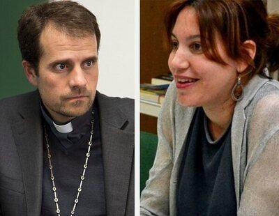 El obispo de Solsona cuelga los hábitos tras enamorarse de una escritora de novela erótica
