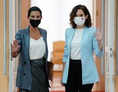 El Gobierno de Ayuso responsabiliza del discurso del odio a Podemos y Más Madrid, mientras exculpa a VOX tras Malasaña