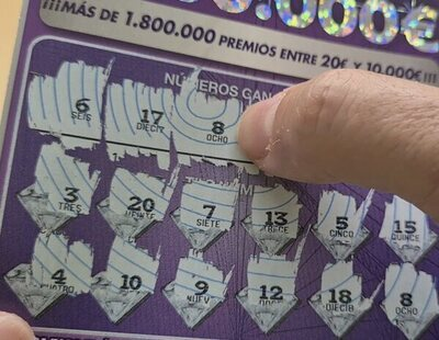 Gana 500.000 euros en el 'rasca y gana' y el lotero le quita el boleto para salir huyendo en moto
