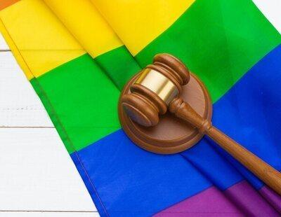 """""""Maricón"""" o """"te hacemos hetero a hostias"""": un auto judicial no lo considera delito de odio"""