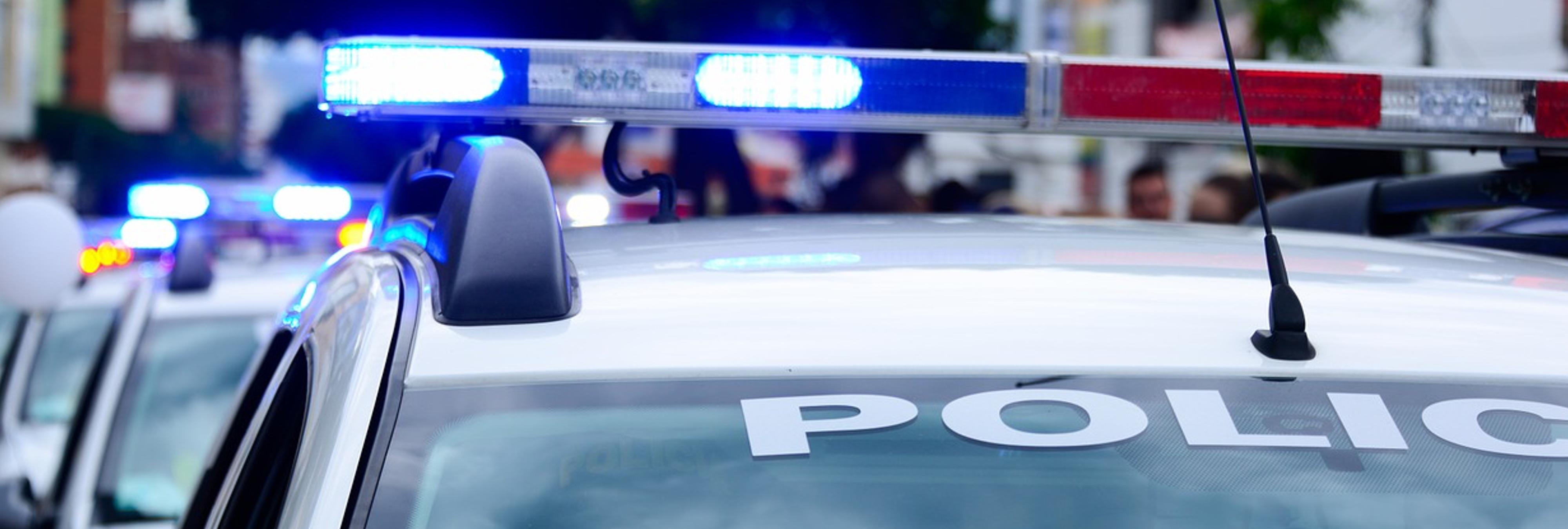Roba un coche patrulla y lo retransmite en directo en Facebook