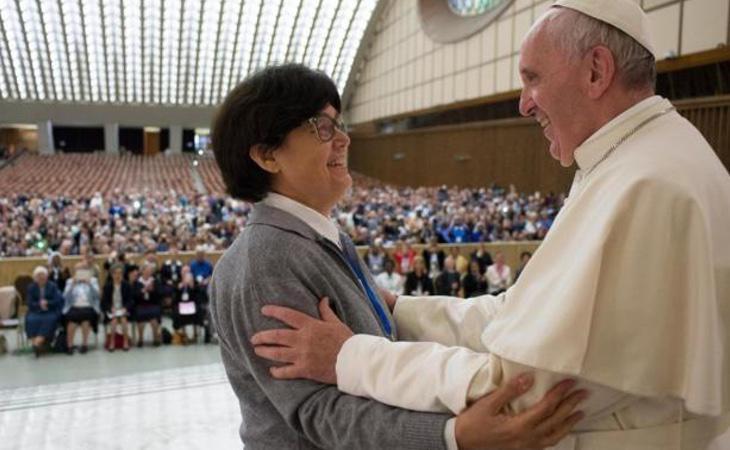 En marzo de 2016, el papa accedió a investigar el papel de las mujeres en la iglesia