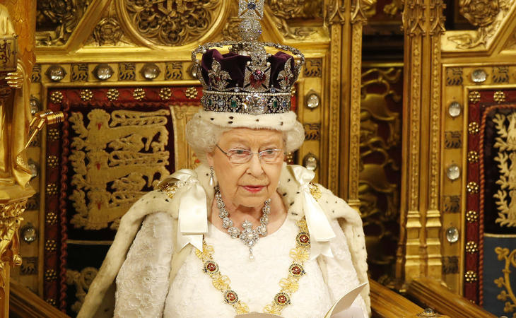 Isabel II, una reina de récord