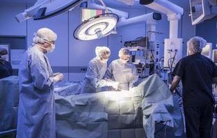 Una paciente se tira un pedo mientras le operan y provoca un incendio en el quirófano