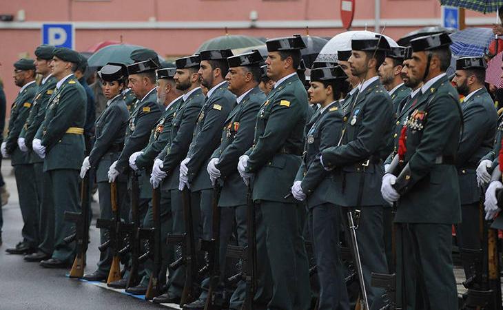 No hay chalecos adaptados para las mujeres de la Guardia Civil